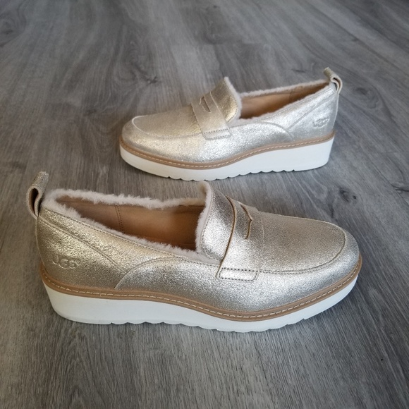 18f0f815465 NEW UGG Atwater Metallic Loafer